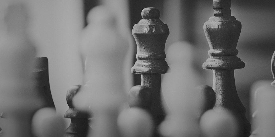jogo de xadrez utilizando estratégia e tática